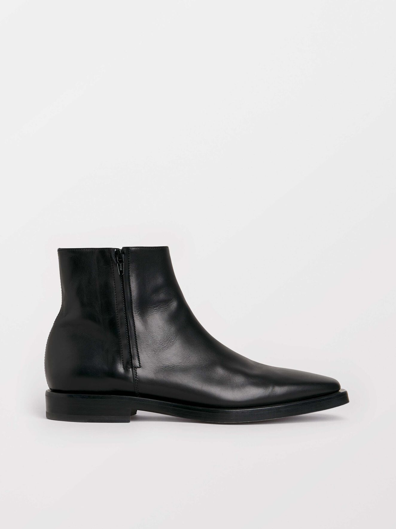 Bartis Boots in Black from Tiger of Sweden
