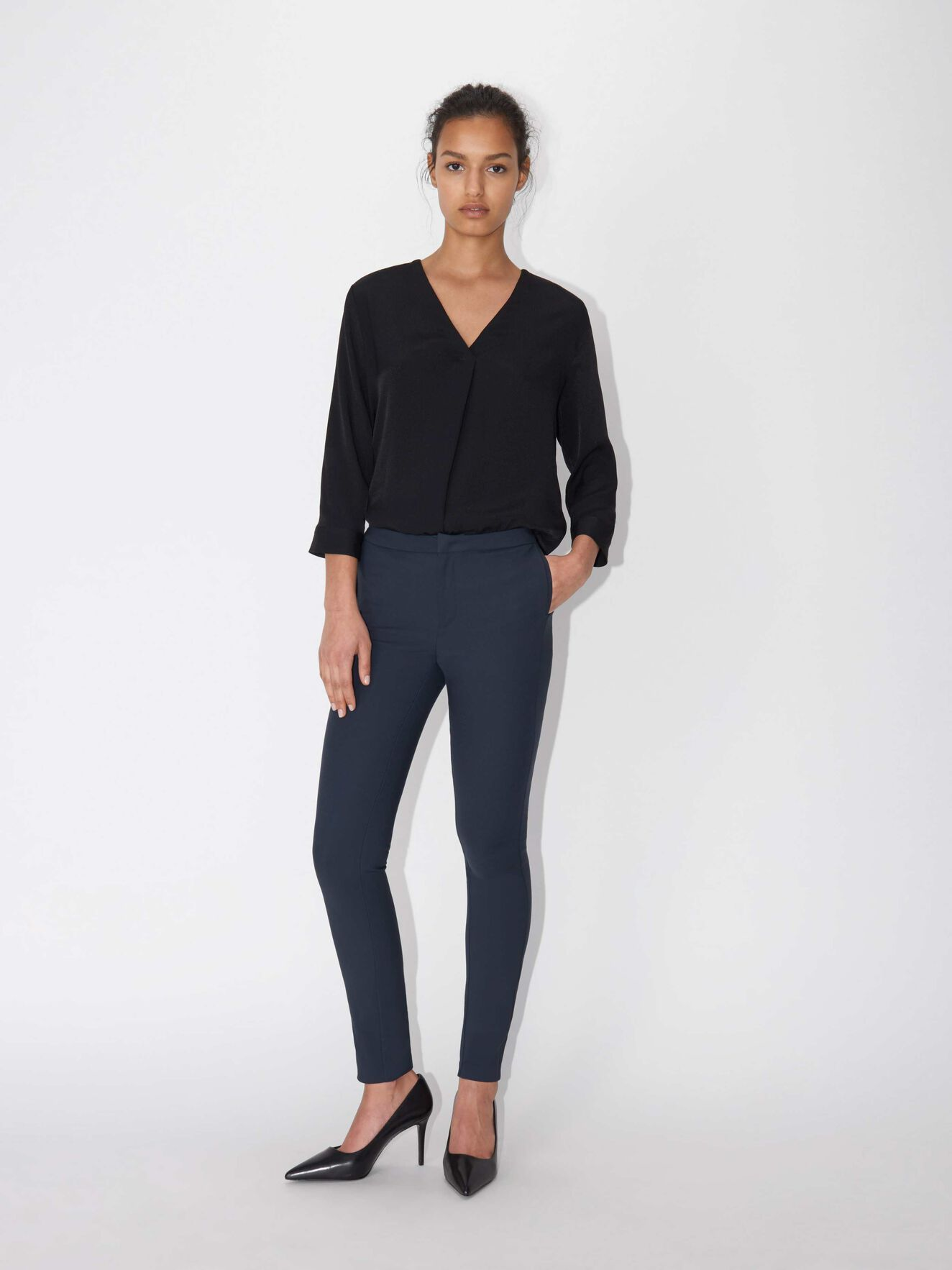 Cristin S trousers in Midnight Blue from Tiger of Sweden